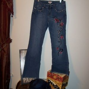 CANDIES JEANS SZ 7 EMBROIDERED FLARE CUT